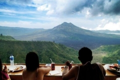 Get a fantastic view of Mount Batur Voulcano while enjoy your lunch