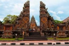 batuan temple sukawati bali