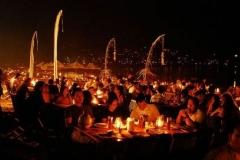 Jimbaran Bay dinner - Eating Indonesian food on the beach