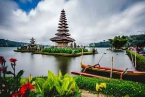 Beratan Lake Temple - One day Tour Bedugul - Special offer this month- edy ubud tour