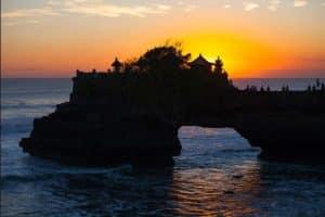 Tanah lot sunset dinner- special offer edy ubud tour-best price